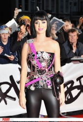 event-ct-katy_perry-RND03008.jpg